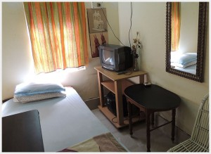 hotel-paying-guest-jalpaiguri-room-19
